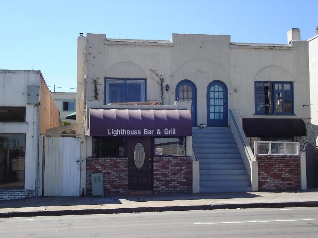 281 Lighthouse Bar Grill