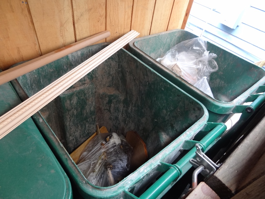 Dumpster Favaloros 130803