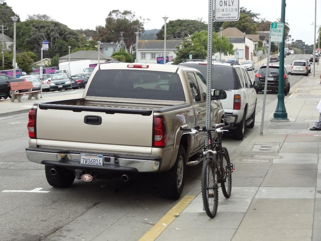 Parking Victorian Corner Chevy 130803