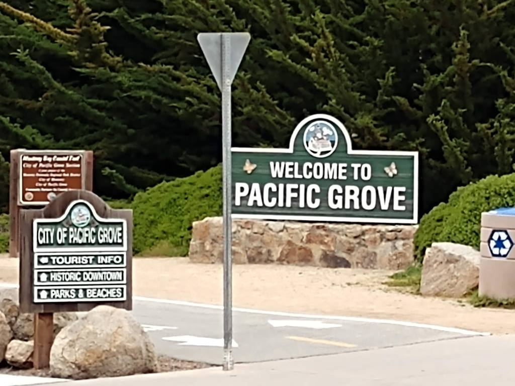Welcome Trail Signs
